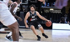 Teodosic'ten double double