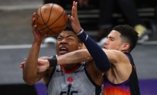 Phoenix, Booker'la kazandı (Westbrook triple double)